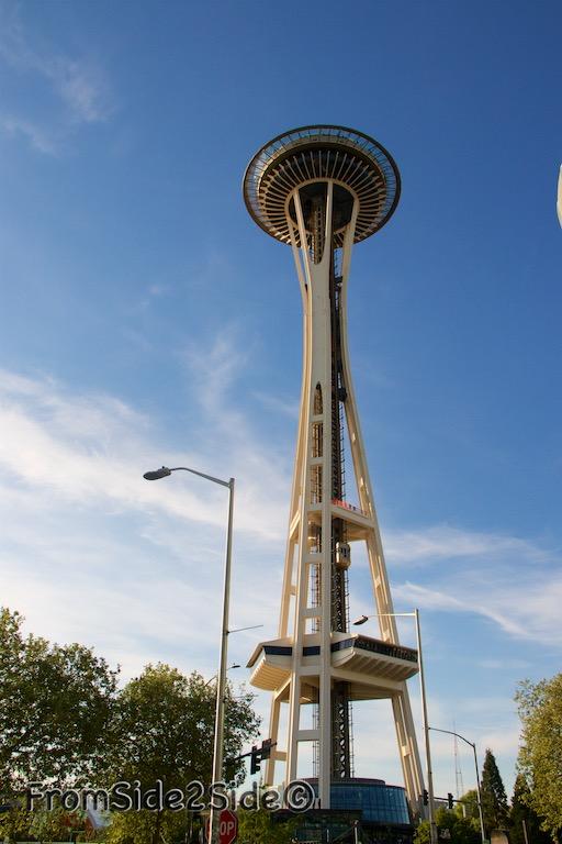 Coucher de soleil à la Space Needle à Seattle